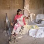 Bnahvari, weaving.